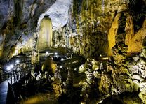 druipsteengrot Phong Nha Cave - Phong Nha Nationaal Park - Vietnam - foto: Lokaal agent