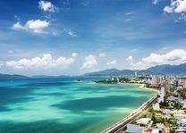 uitzicht op Nha Trang en Nha Trang Bay op achtergrond de Khanh Hao provincie - Vietnam - foto: Archief