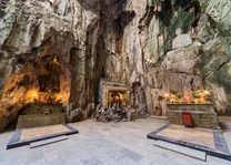 Verering in de grotten, Marble mountain - Vietnam - foto: Archief