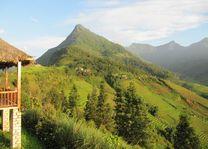 Uitzicht vanuit bungalow van de Topas Ecolodge in Sapa - Topas Ecolodge - Vietnam - foto: Mieke Arendsen