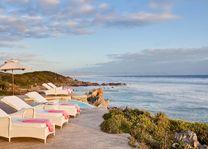 kustlijn met ligbedden Birkenhead House - Birkenhead House - Zuid-Afrika - foto: Archief