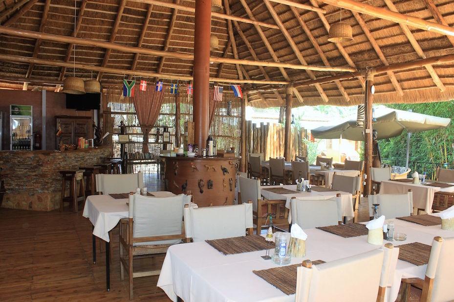 2 Friends Guesthouse - restaurant - Jinja - Oeganda - foto: 2 Friends Guest House Jinja