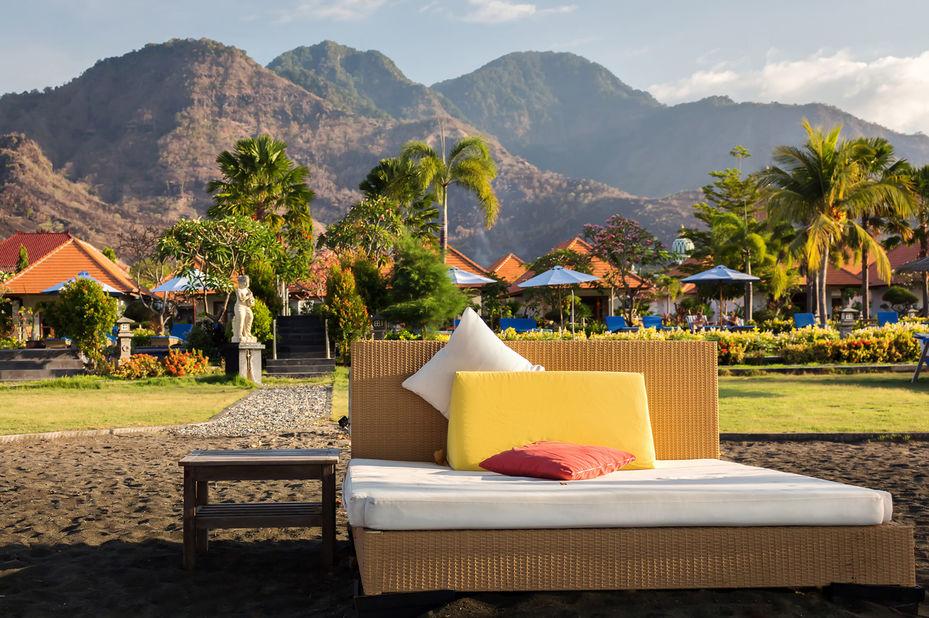 Adi Assri Beach Resort - strandbed - Pemuteran - Bali - Indonesie - foto: Adi Assri Beach Resort
