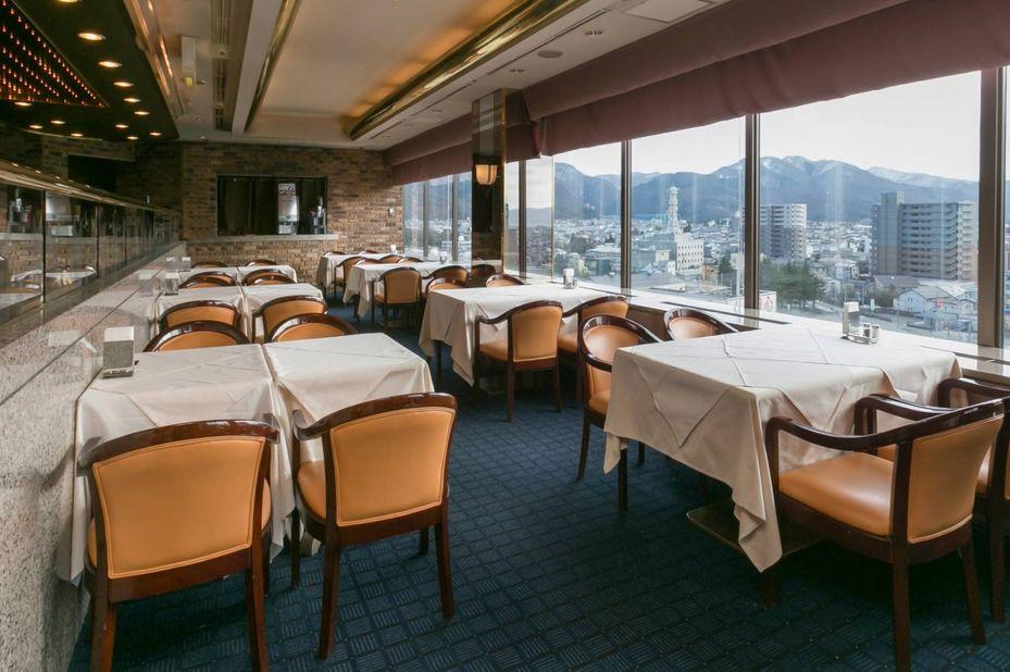 Aizuwakamatsu Washington Hotel - restaurant - Aizu Wakamatsu - Japan - foto: Aizuwakamatsu Washington Hotel
