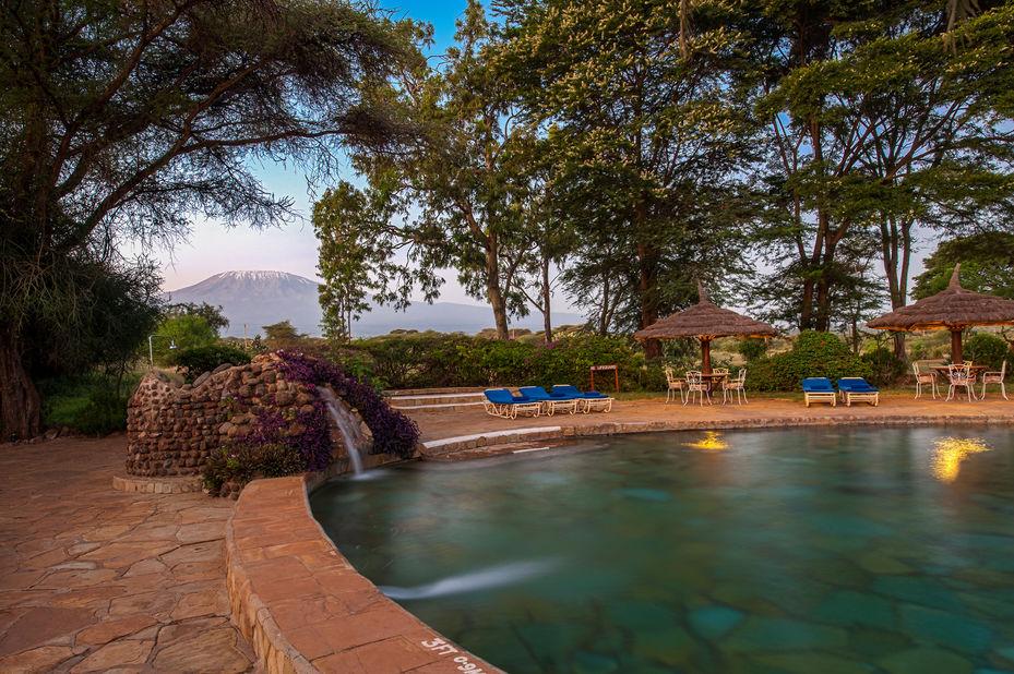 Amboseli Sopa Lodge - zwembad -Amboseli National Park - Kenia  - foto: Sopa Lodges