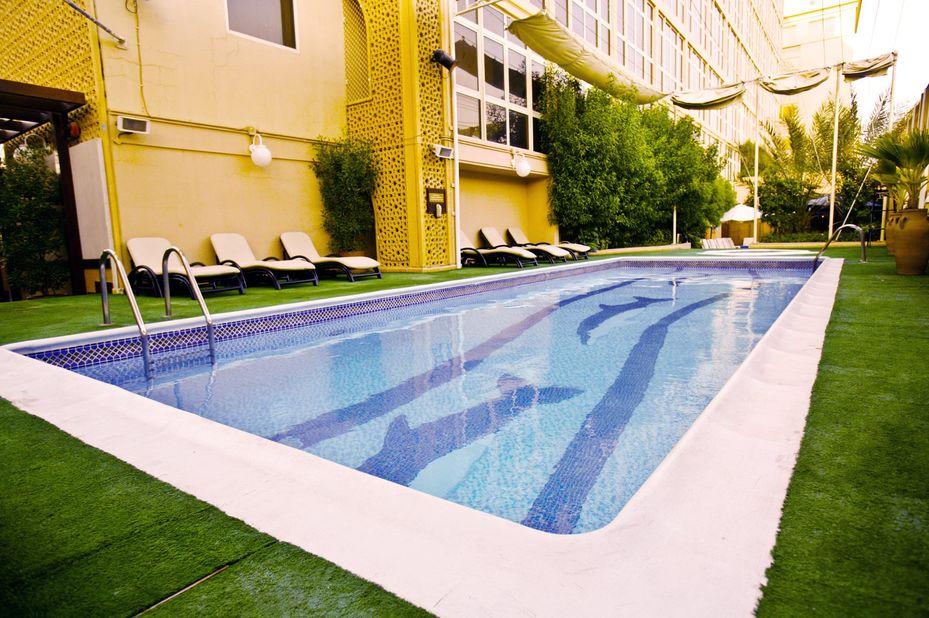 Arabian Courtyard Hotel - zwembad - Dubai - foto: Arabian Courtyard Hotel