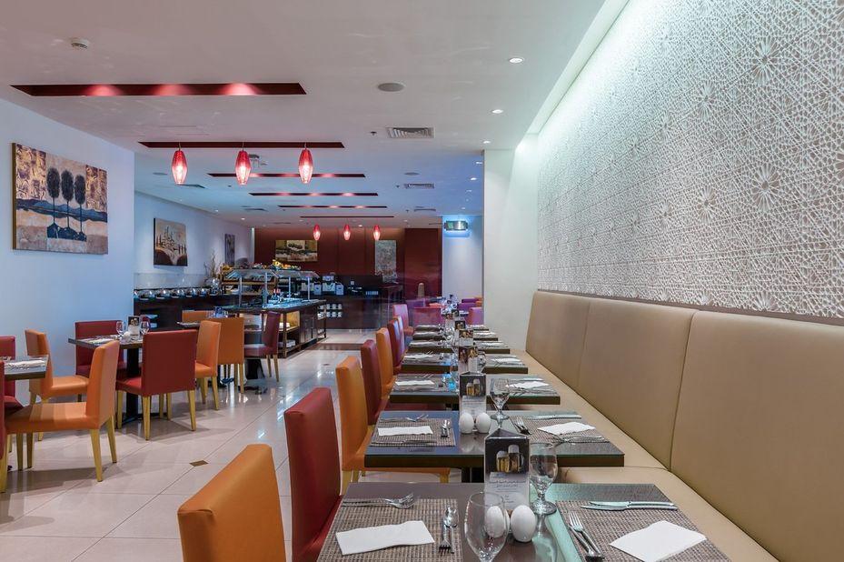 Arabian Park Hotel - restaurant - Dubai - foto: Arabian Park Hotel