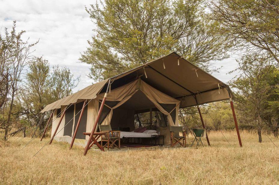 Bolongonya Under Canvas - exterior tent - Serengeti - Tanzania - foto: Bologonya Under Canvas