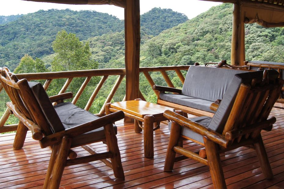 Buhoma Haven Lodge - veranda - Bwindi - Oeganda - foto: Buhoma Haven Lodge