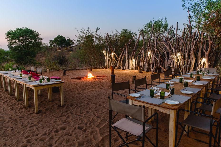 Chobe Elephant Camp - boma diner - Kasane - Botswana - foto: Chobe Elephant Camp