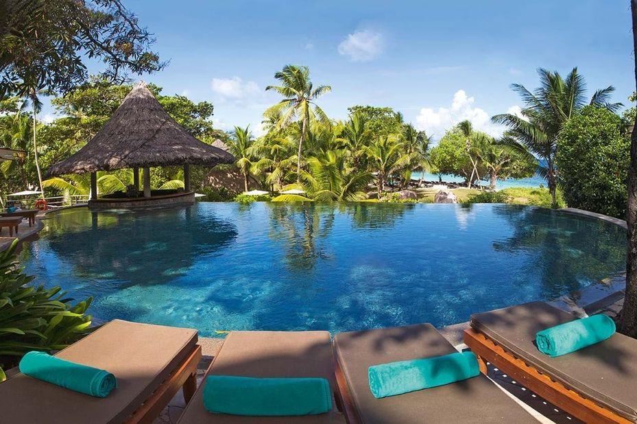Constance Lemuria Resort - zwembad lounge - Praslin - Seychellen - foto: Constance Lemuria