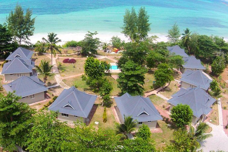 Cote dOr Footprints - luchtfoto - Praslin - Seychellen - foto: Footprints