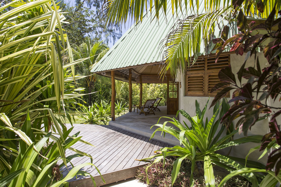 Denis Private Island Resort - beach cottage - exterior - Seychellen - foto: Denis Private Island Resort