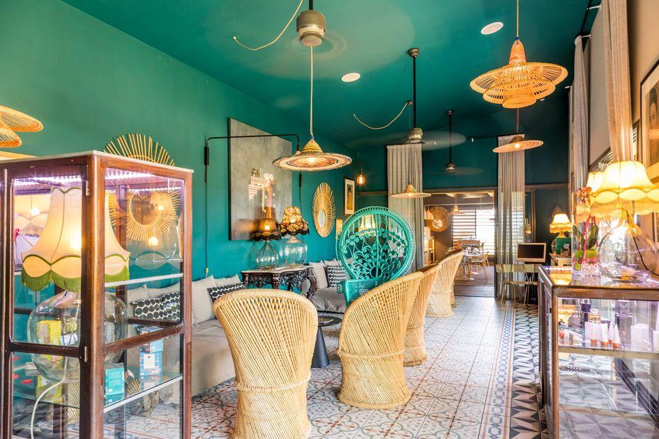 Dina Morgabine - lounge - Saint Gilles les Bains -Réunion - foto: Dina Morgabine