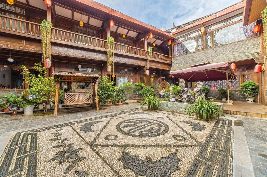 Elegant Home Inn courtyard binnenplaats Lijiang China - foto: Elegant Home Inn