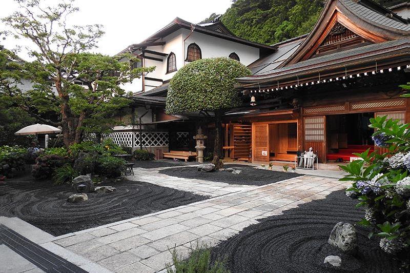 Entree - Sekishoin - Koyasan - Mount Koya - Japan - foto: Sekishoin