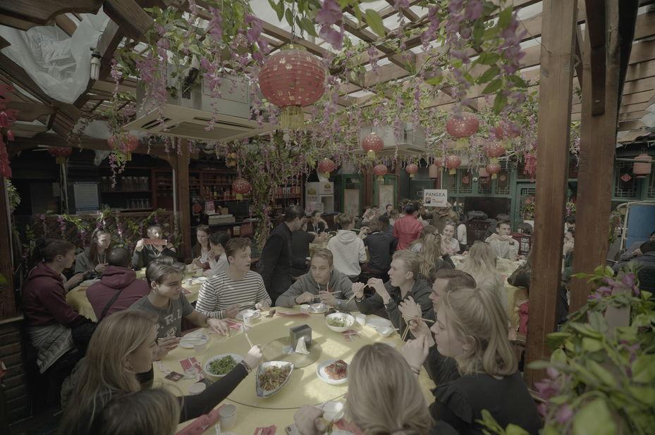 Eurocollege tijdens diner in China (groepsreis)