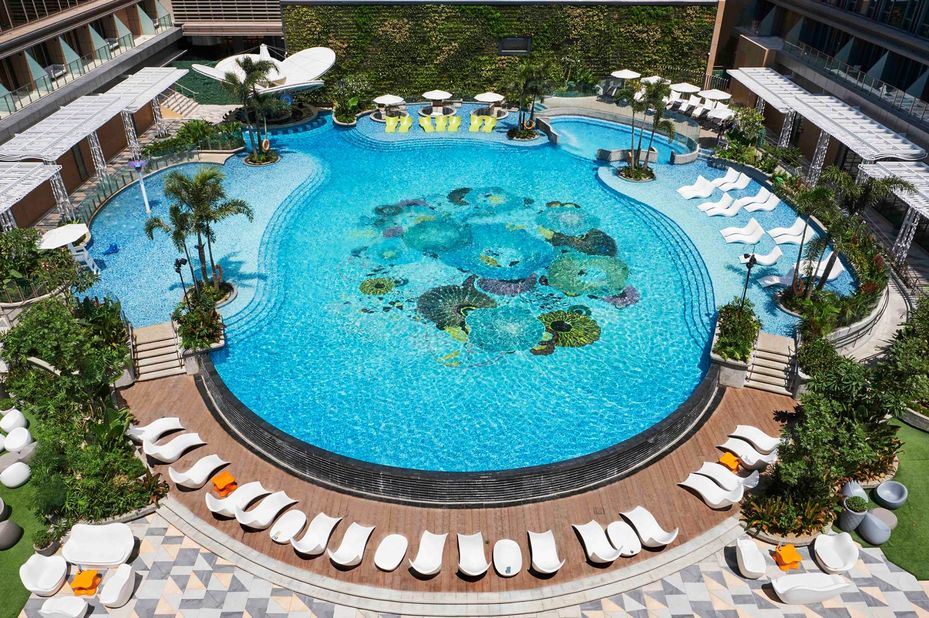 Filipijnen - Hilton Manila - zwembad - foto: Hilton Manila