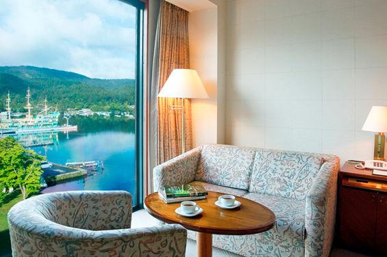 kamer Hakone Hotel - uitzicht Lake Ashi - Japan - foto: Hakone Hotel