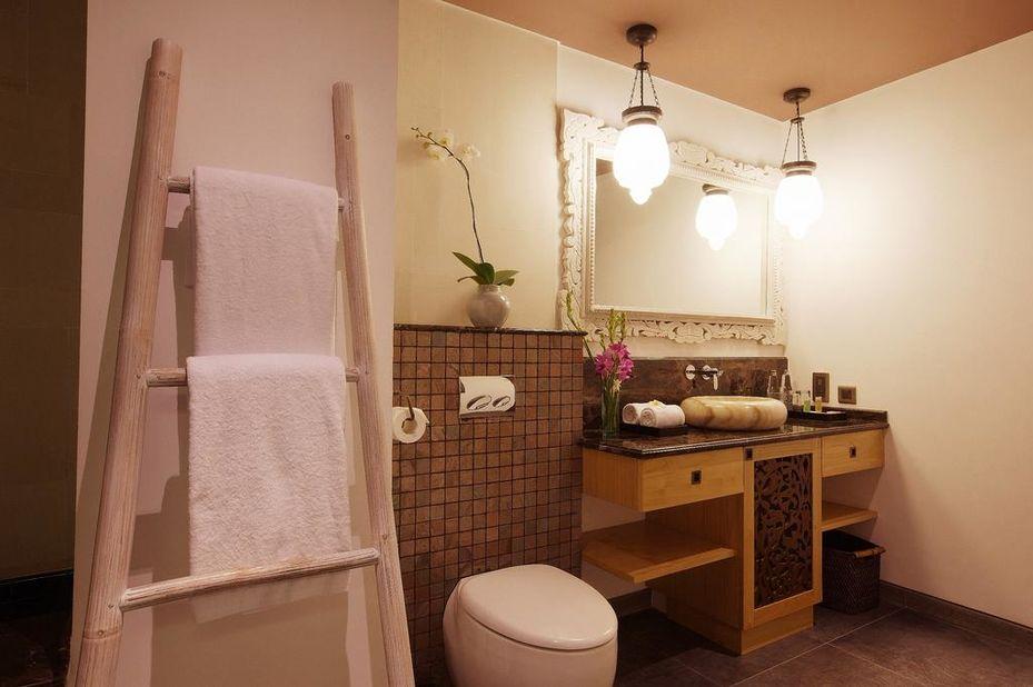 Indonesië - Bali - Kejora Suites - badkamer - foto: kejora suites