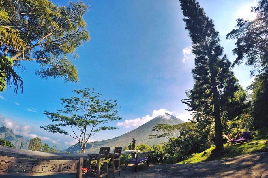 Indonesië - Flores - Bajawa - Manulalu - buiten - foto: Manulalu