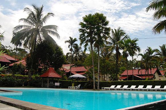 Indonesie-Java-Kalibaru-KalibaruCottages-zwembad - foto: Kalibaru Cottages