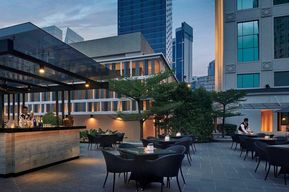 JW Marriott Kuala Lumpur - bar en buitengedeelte - Kuala Lumpur - Maleisie - foto: JW Marriott Kuala Lumpur