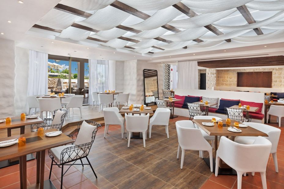 Jebel Ali Golf Resort - Phoenicia - restaurant - Dubai - foto: Jebel Ali Beach Resort