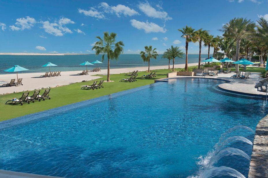 Jebel Ali Golf Resort - zwembad - Dubai - foto: Jebel Ali Beach Resort