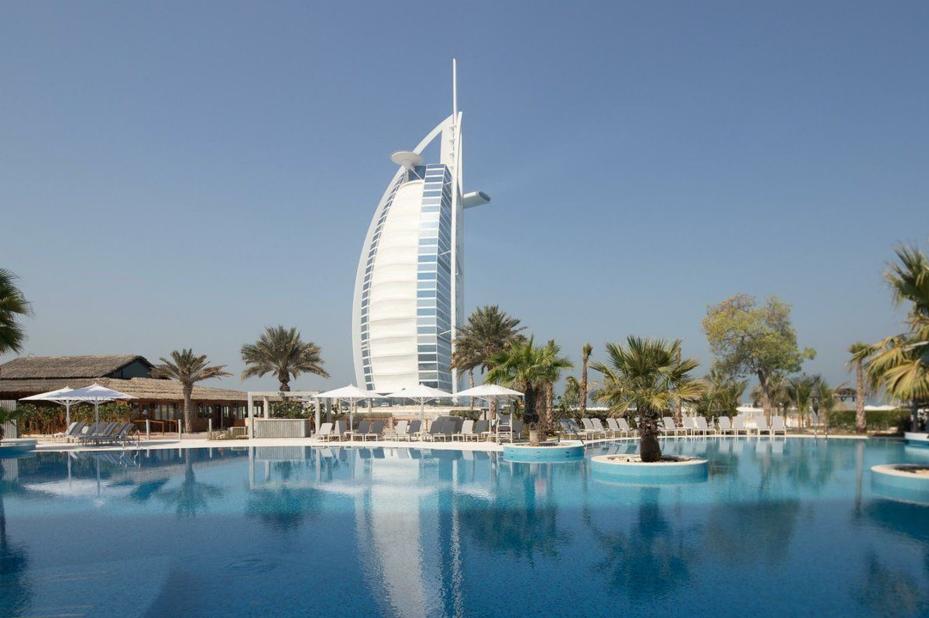 Jumeirah Beach Hotel - zwembad -uitzicht - Bur Dubai - foto: Jumeirah Beach Hotel