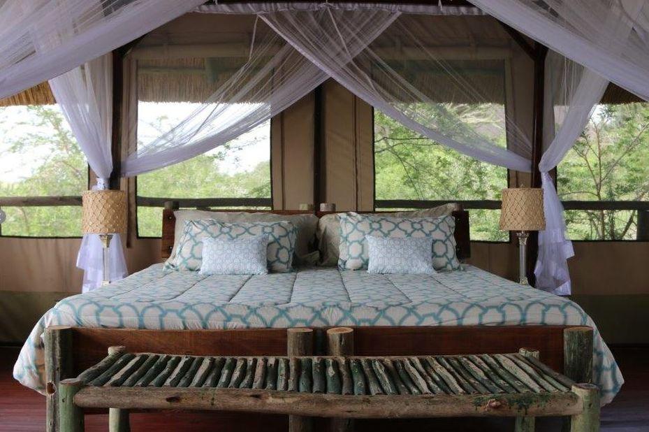 Kasenyi Safari Camp - kamer - interieur - Queen Elizabeth - Oeganda - foto: Kasenyi Safari Camp
