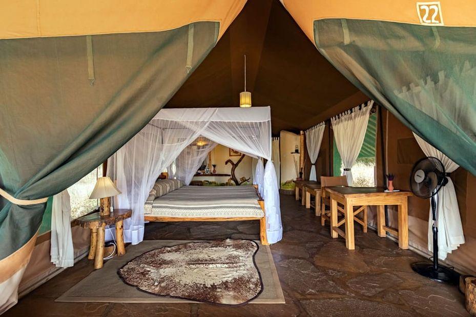 Kibo Safari Camp - tent interieur - Amboseli - Kenia - foto: Kibo Safari Camp