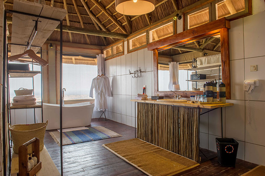 Lahia Tented Lodge - badkamer - Serengeti - foto: Tanganyika Wilderness Camps