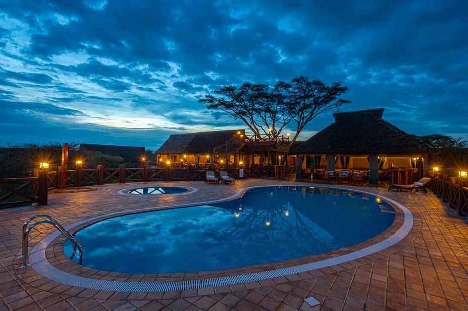 Lake Ndutu Luxury Tented Lodge - zwembad - Serengeti - Tanzania - foto: Leopard Tours
