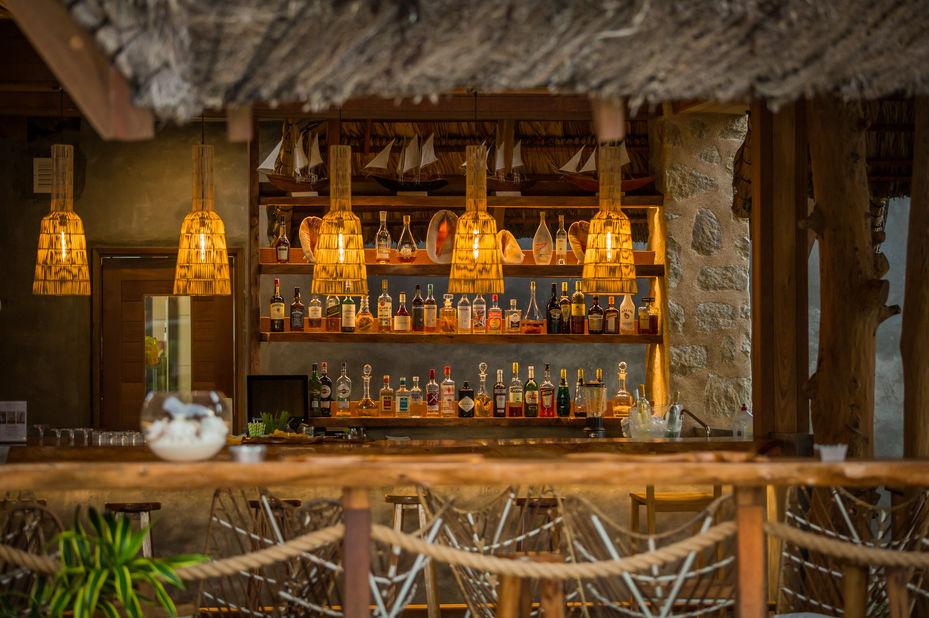 Les Lauriers Eco Hotel - bar - Praslin - Seychellen - foto: Le Lauriers