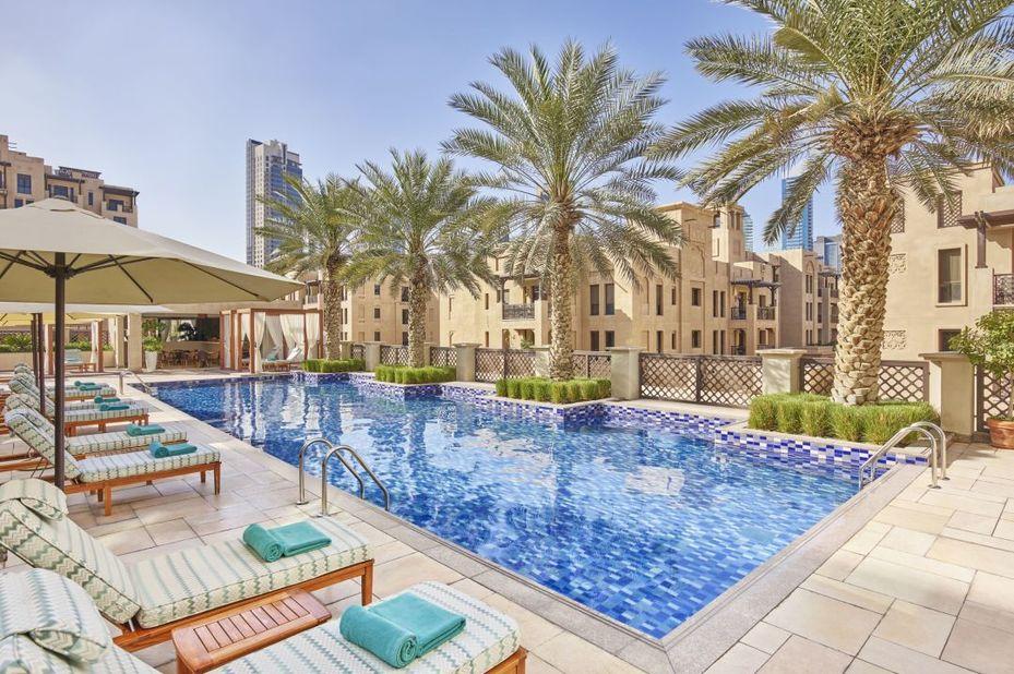 Manzil Downtown - zwembad - Dubai - foto: Manzil Downtown