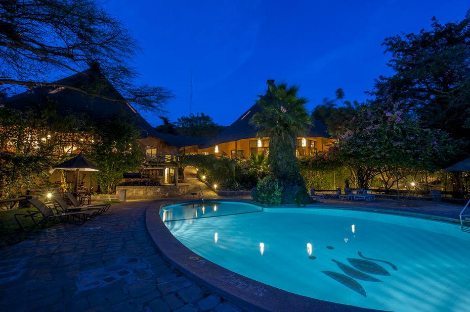 Mara Sopa Lodge - zwembad - Masai Mara Game Reserve - Kenia - foto: Sopa Lodges