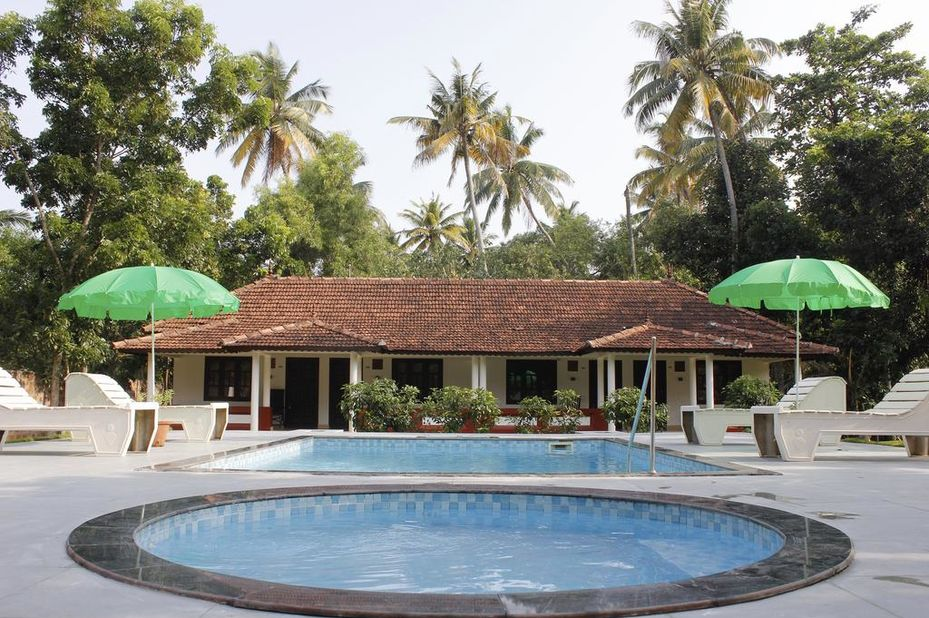 Marari Sands - zwembad - Mararikulam - India - foto: Marari Sands Beach Resort
