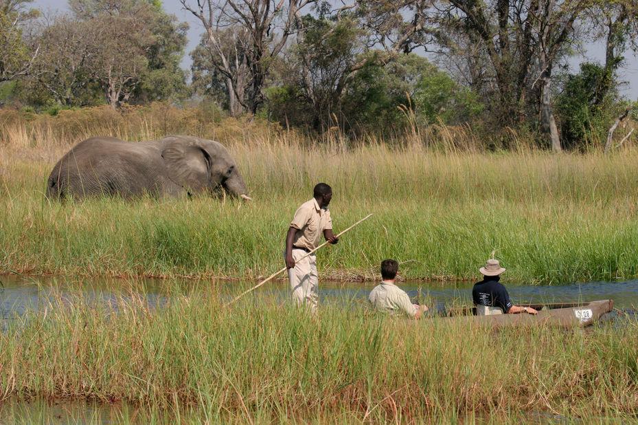 Moremi Crossing - mokoro - Okavango Delta - Botswana - foto: Moremi Crossing