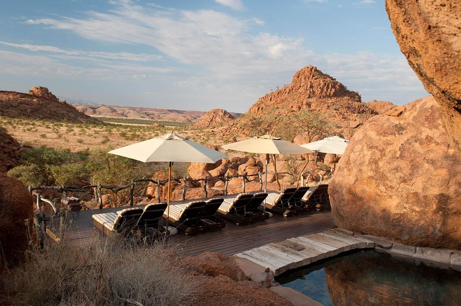 Mowani Mountain Camp - zwembad - Twyfelfontein -Namibie