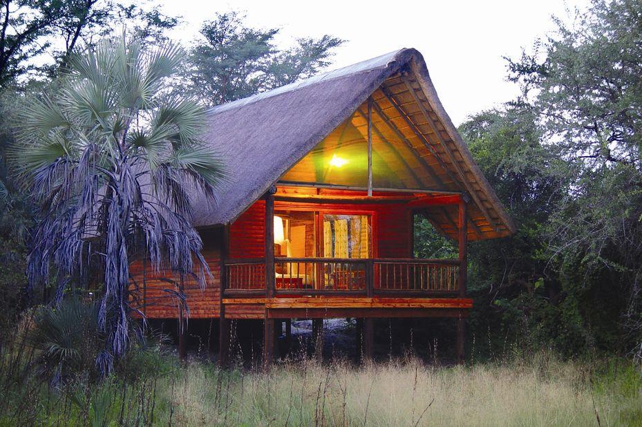 Nata Lodge - chalet exterior - Botswana - foto: Nata Lodge