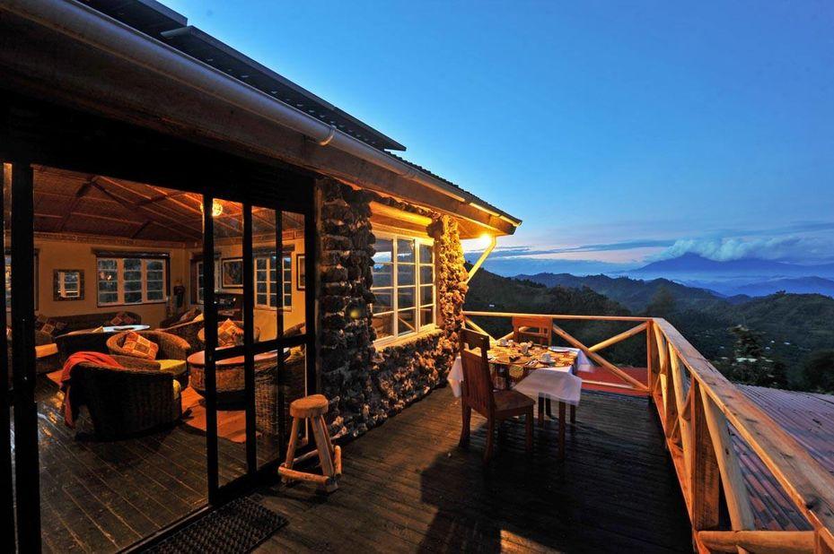 Nkuringo Gorilla Lodge - veranda - Bwindi - Oeganda - foto: Nkuringo Bwindi Gorilla Lodge