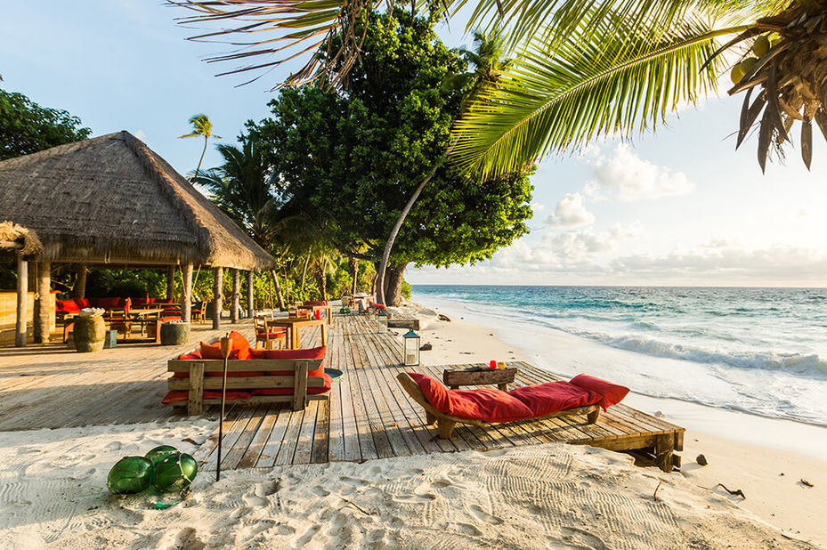 North Island - strand - lounge - Seychellen - foto: North Island Resort
