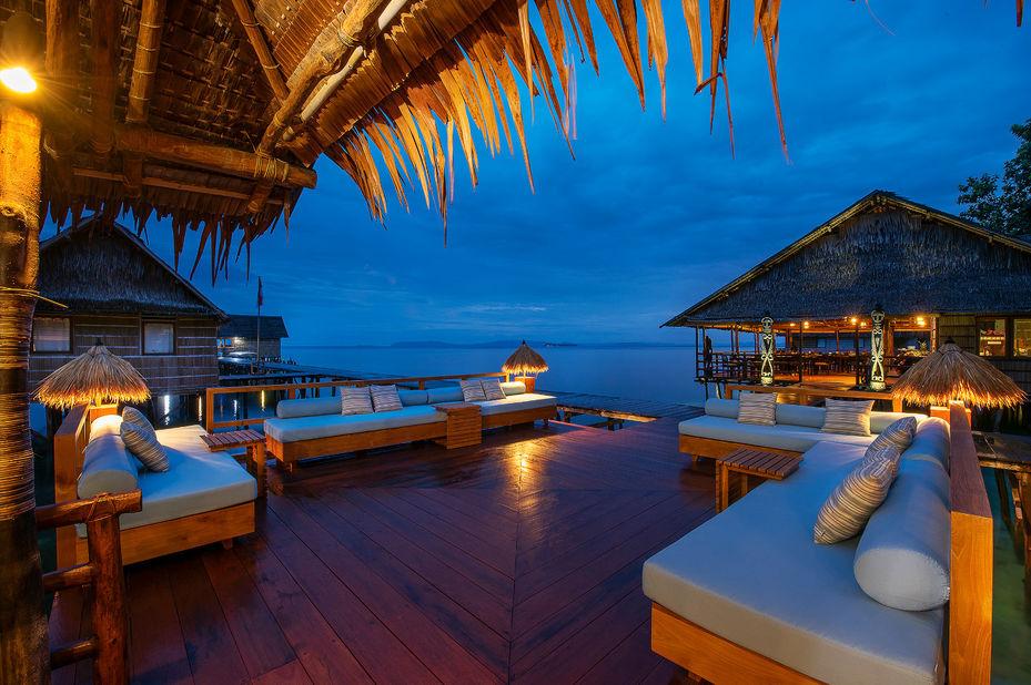Papua Paradise Eco Resort - zonnedek - Raja Ampat - Indonesie - foto: Papua Paradise Eco Resort