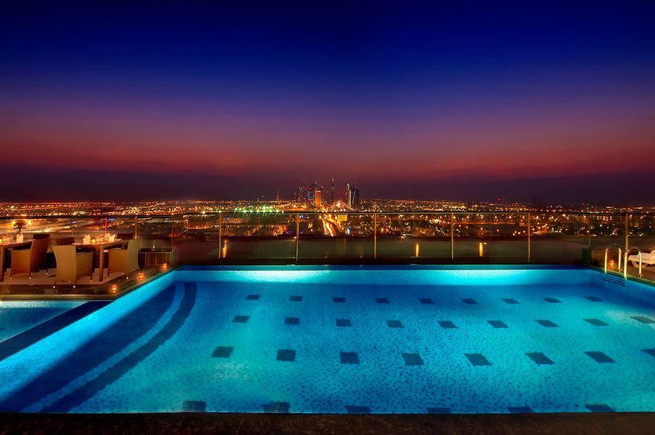 Park Regis - zwembad - Dubai - foto: Park Regis Kris Kin Hotel