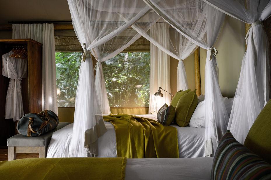 Sanctuary Gorilla Forest Camp - slaapkamer - Bwindi - Oeganda - foto: Sanctuary Gorilla Forest Camp