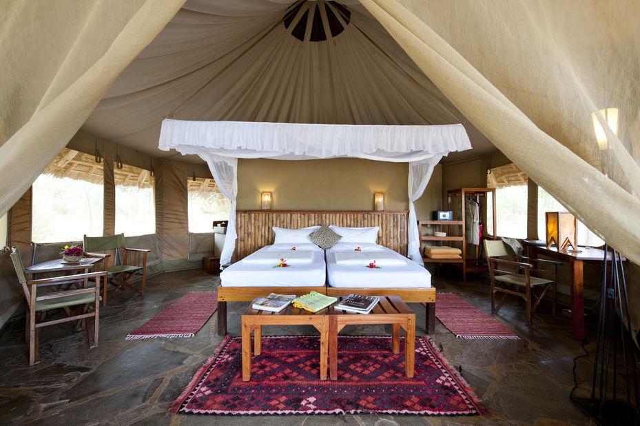 Severin Safari Camp - luxury tent exterior - Tsavo - Kenia - foto: Severin Safari Camp