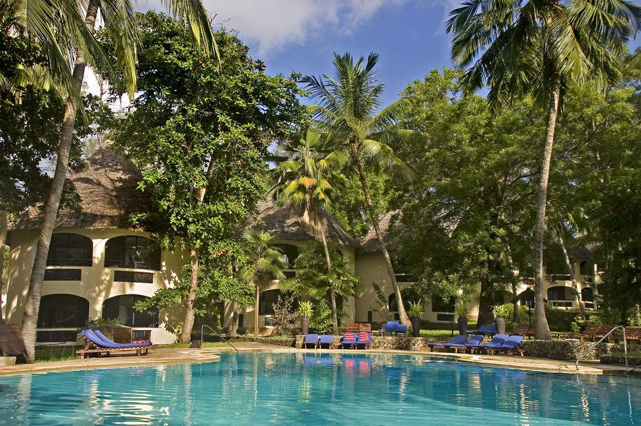 Severin Sea Lodge - bungalows en zwembad - Mombasa - Kenia - foto: Severin Sea Lodge