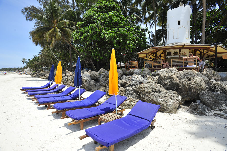 Severin Sea Lodge - ligstoelen - Mombasa - Kenia - foto: Severin Sea Lodge