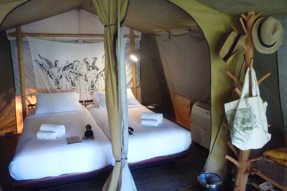 binnenkant tent - Lala Mukha Tented Resort - Khao Yai National Park - Thailand - foto: Floor Ebbers